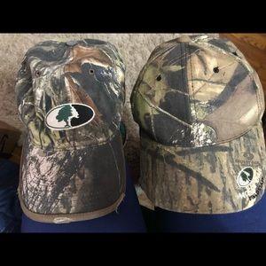2 MOSSY OAK Caps/hats